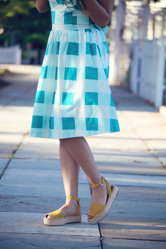 See how fashion blogger, Little Tree Vintage, styles this plaid print dress for Summer.