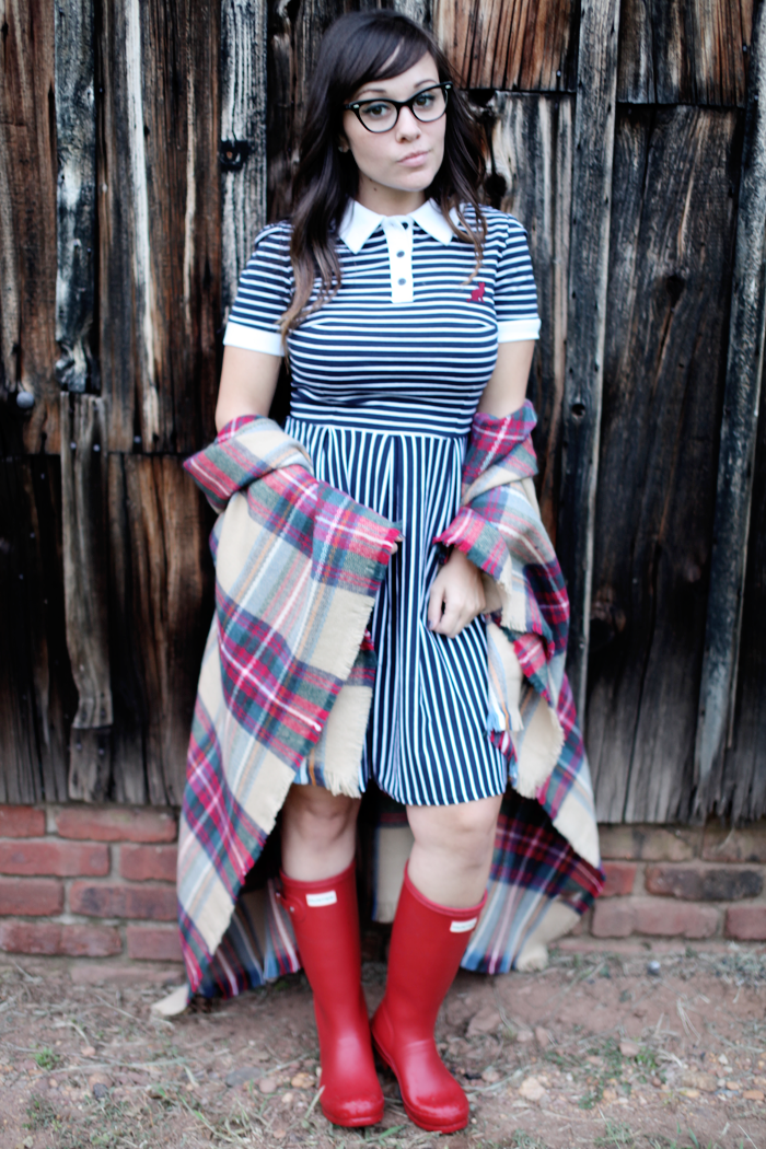 Check out how fashion, lifestyle, and beauty blogger Little Tree Vintage styles this dress two ways for Fall.