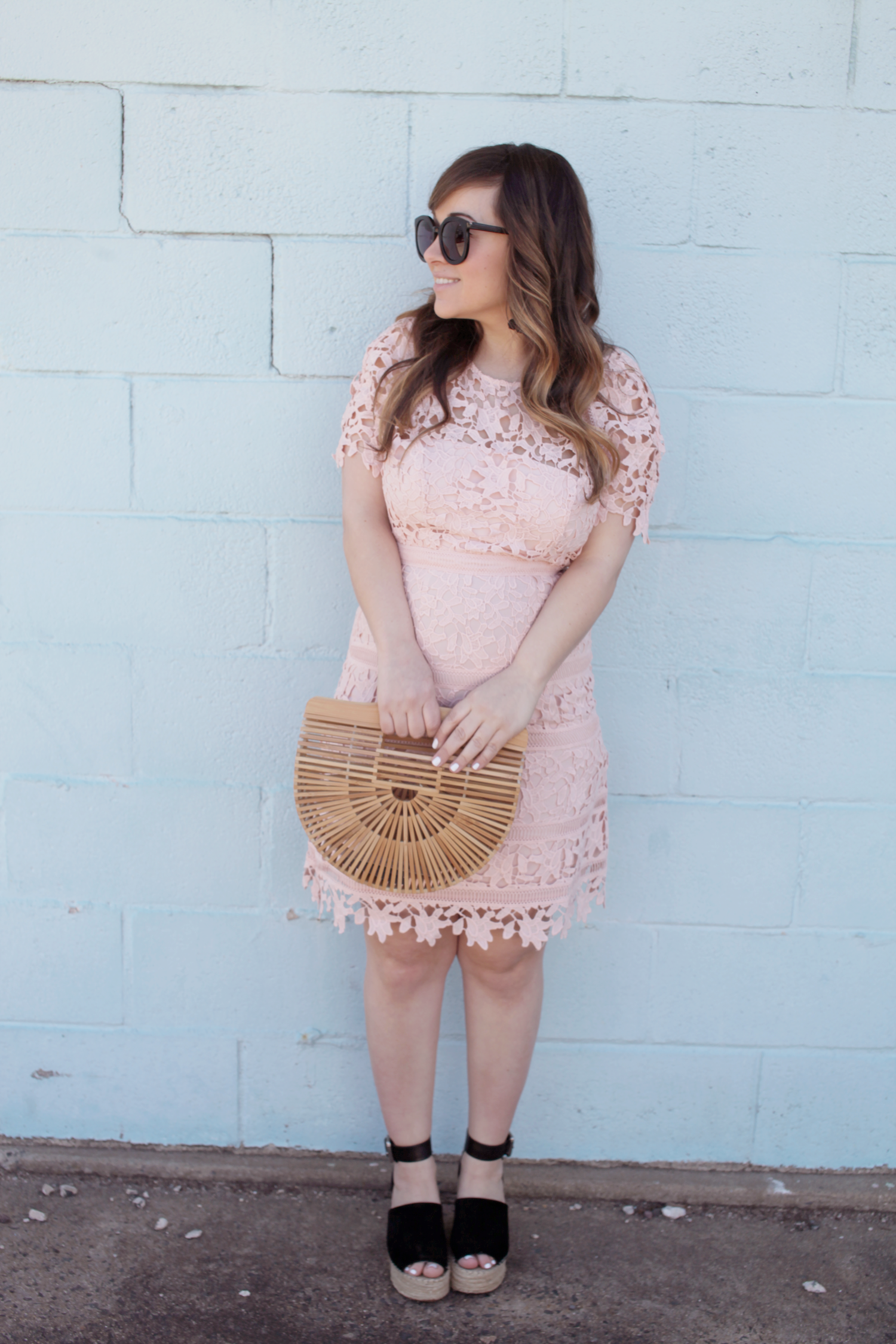 Are you on the hunt for easter dresses? Little Tree Vintage, a fashion and lifestyle blogger is sharing the perfect easter dress! | Pink Dress for Easter
